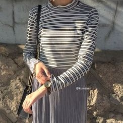 kumayes - Striped Long Sleeve Turtleneck T-Shirt