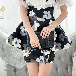 Dabuwawa - Suspender Floral Ruffled Skirt