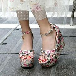 Mancienne - Floral Wedge Sandals