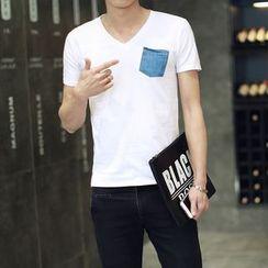 Seoul Boy - Pocketed V-neck T-Shirt