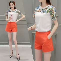 Lavogo - Set: Print Panel Short-Sleeve Top + Shorts