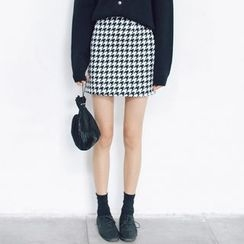Porta - Houndstooth Skirt