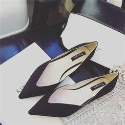 BAYO - 绒面尖头平跟鞋