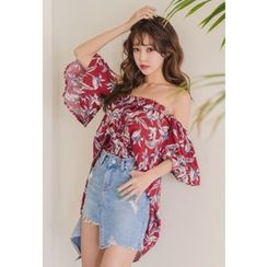 Dalkong - Off-Shoulder Flutter-Sleeve Floral Print Top
