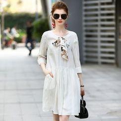 洛圖 - 飾蝴蝶結七分袖條紋連衣裙