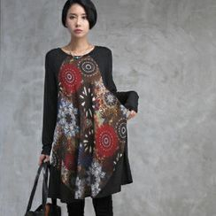 HALUMAYBE - Floral Print Panel Long T-Shirt