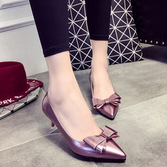 IYATO - Bow-Accent Pumps