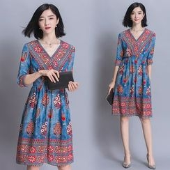 Diosa - Printed 3/4 Sleeve V-Neck Dress