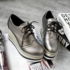 錦洋鞋業 - 繫帶翼紋厚底船跟