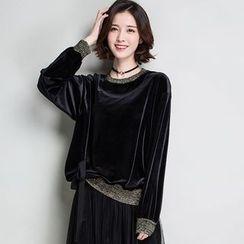 Romika - Velvet Lace Panel Sweatshirt