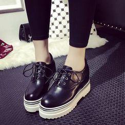 Wello - 厚底漆皮牛津鞋