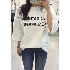 OZNARA - 3/4-Sleeve Lettering Long T-Shirt