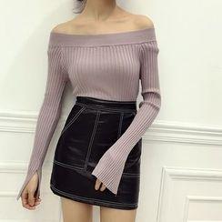 Octavia - Off Shoulder Long Sleeve Ribbed Knit Top