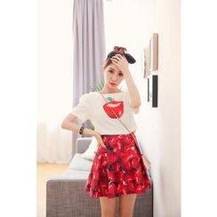 Hanako Shiratori - Set: Apple Print Cropped Top + A-Line Skirt