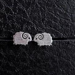 Love Generation - 可愛呆萌萌的小羊純銀拉絲面耳釘