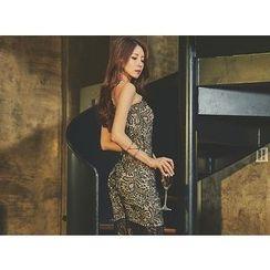 UUZONE - Sleeveless Dip-Back Lace Dress
