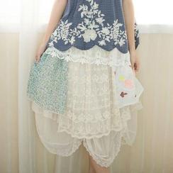 Blue Hat - 搭層蕾絲短裙