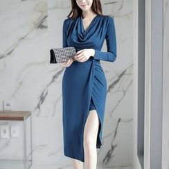 Aurora - Long-Sleeve Slit Dress