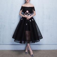Rosita - Floral Embroidered Off-Shoulder Midi Cocktail Dress