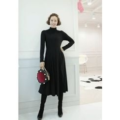 Lemite - Turtleneck A-Line Dress