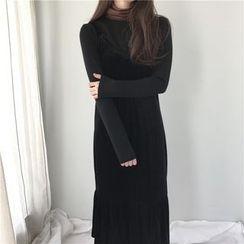 Bloombloom - Set: Panel Long-Sleeve Top + Velvet Strap Dress