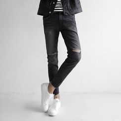 Seoul Homme - Straight-Cut Cut-Off Detailed Jeans