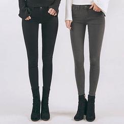 chuu - Fleece-Lined -5kg Skinny Pants
