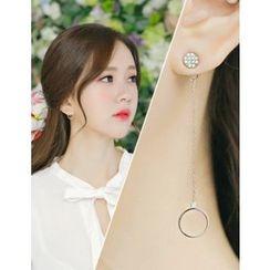 soo n soo - Rhinestone Circle Asymmetric Earrings