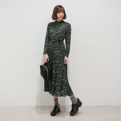 WITH IPUN - Accordion-Pleat Shirtdress