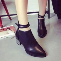 楊董 - 粗跟雙帶尖頭及踝靴
