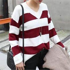 CHICFOX - V-Neck Color-Block Sweater