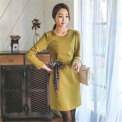 ode' - Round-Neck Sheath Dress with Sash