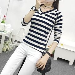 Cottony - Striped Long Sleeve V-Neck T-Shirt
