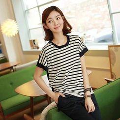 CLICK - Striped Dip-Back T-Shirt