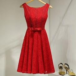 Loree - Sleeveless Lace Cocktail Dress