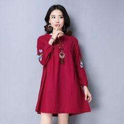 Epoch - Long-Sleeve Embroidered Linen Dress