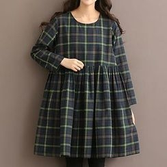 Jolly Club - Long-Sleeve Plaid A-Line Dress