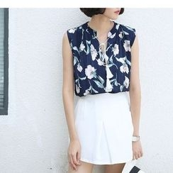 Sens Collection - Floral Print Tasseled Tie Front Sleeveless Shirt