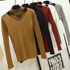 Honey House - V-Neck Knit Pullover