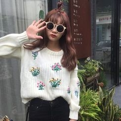 Tulander - Floral Embroidered Chunky Sweater