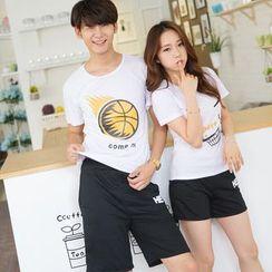 Lovebirds - 套裝: 情侶短袖印花T恤 + 短褲