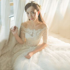YACCA - Elbow Sleeve Off Shoulder Lace Wedding Ball Gown
