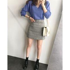 UPTOWNHOLIC - Pocket-Side Plaid A-Line Mini Skirt
