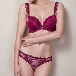 Melanie - Set: Lace Push Up Bra + Panties