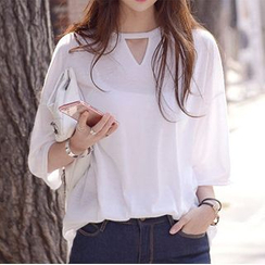 DEEPNY - Cutout Neckline T-Shirt