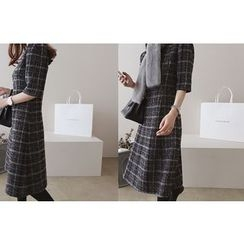 DAILY LOOK - Elbow-Sleeve Checked Dress