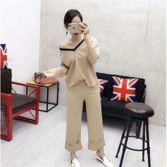 small dots - Set: V-neck Long-Sleeve Top + Wide Leg Pants