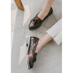 GOROKE - Pointy-Toe Fringed Tasseled Loafers