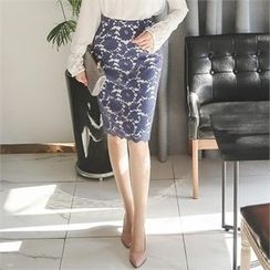 ode' - Laced Pencil Skirt