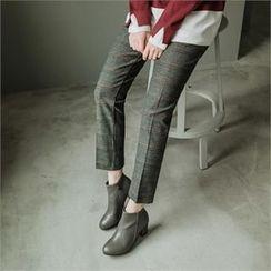 JOAMOM - Flat-Front Check Pants